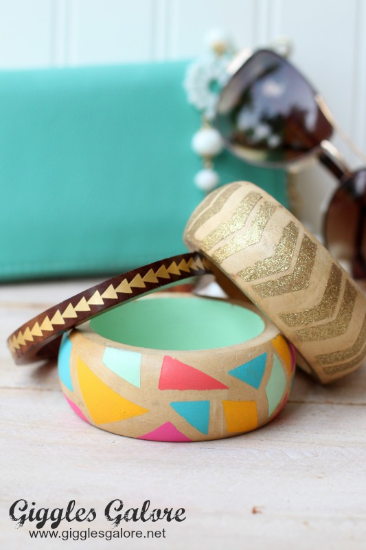 20+ DIY Jewelry Tutorials: Painted Wooden Bangles from Giggles Galore | Hello Little Home