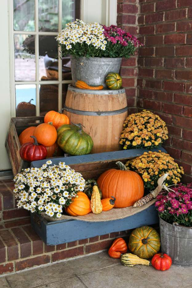 DIY Fall Decorating Ideas: Porch Decorating Ideas from Unskinny Boppy | Hello Little Home