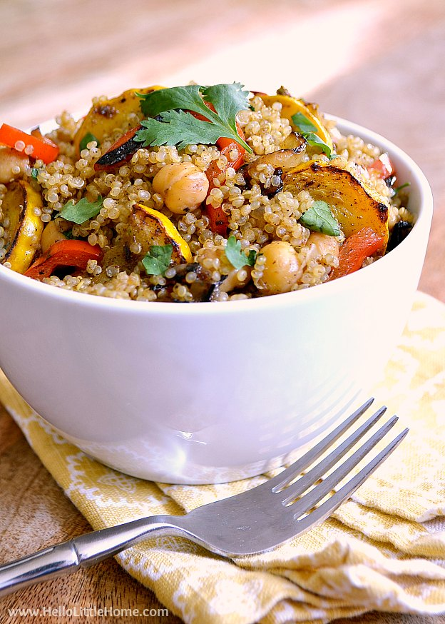 Curried Veggie, Chickpea, and Quinoa Stir Fry recipe ... a fast and healthy vegetarian meal idea! This easy vegan quinoa stir fry is packed with bold flavors and protein, plus it's gluten free. Full of yummy vegetables, like red peppers, this simple vegetarian quinoa stir fry is a great dinner for busy families! | Hello Little Home