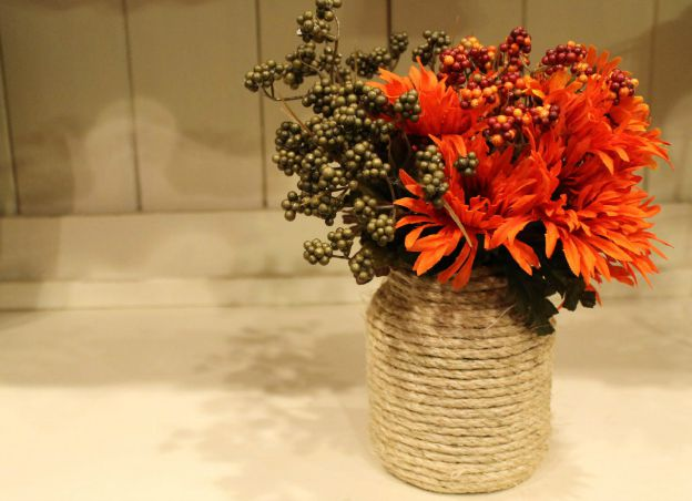 DIY Fall Decorating Ideas: Twine Vase from Domestic Superhero | Hello Little Home