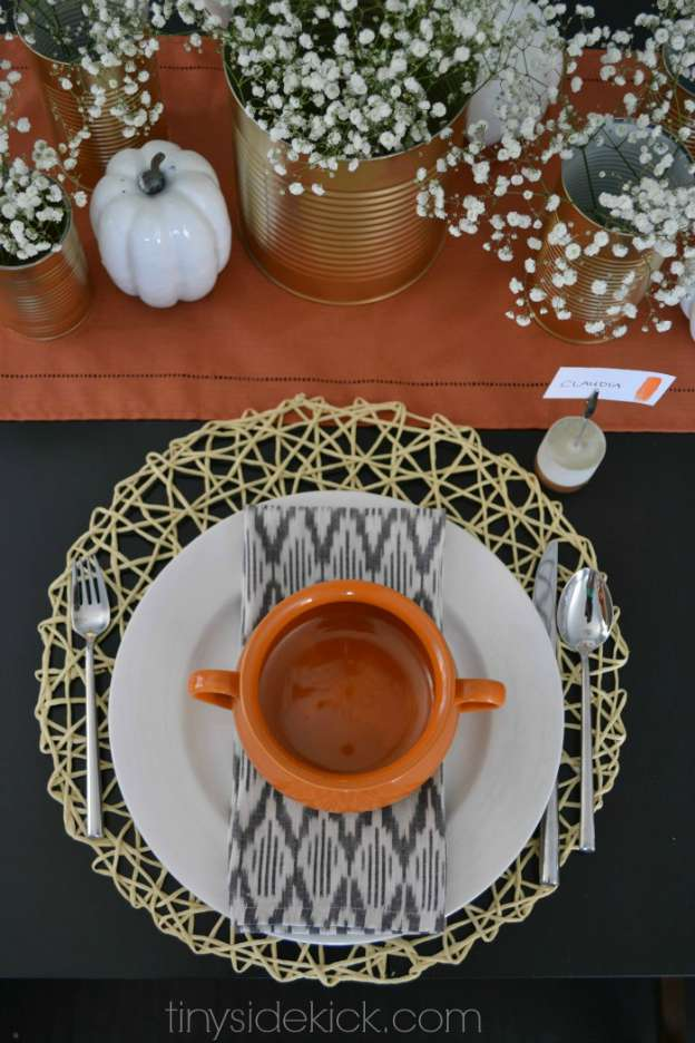 DIY Fall Decorating Ideas: Modern and Cozy Fall Tablescape from Tiny Sidekick | Hello Little Home
