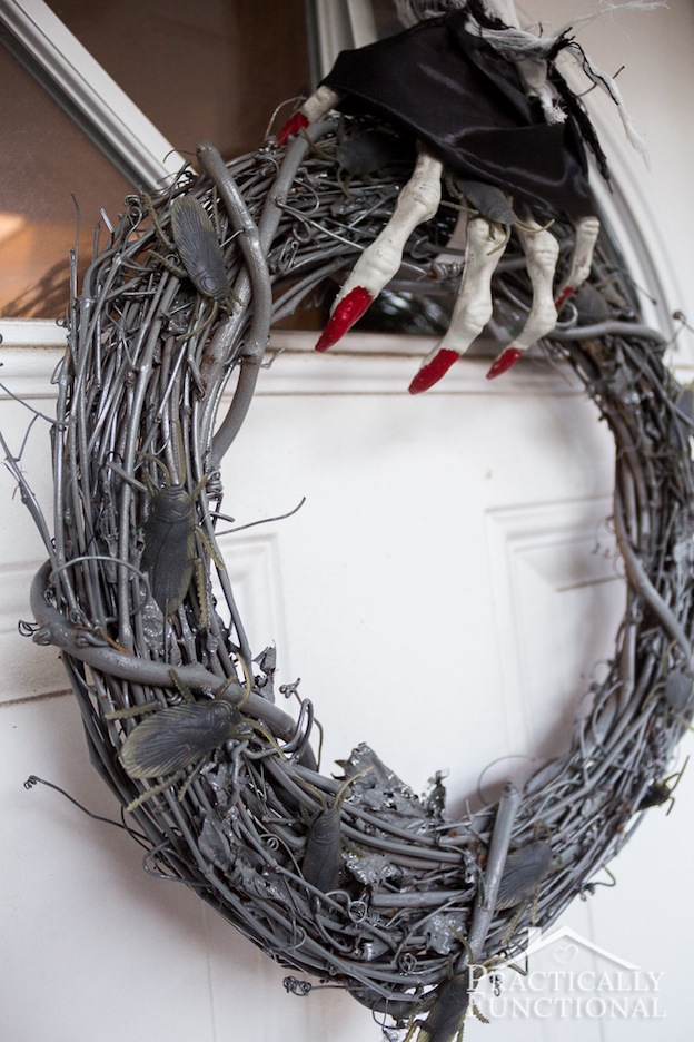DIY Halloween Craft Ideas: Glow in the Dark Wreath from Practically Functional   Hello Little Home