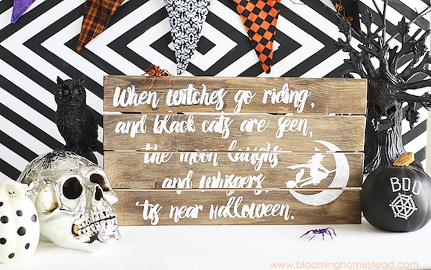 DIY Halloween Craft Ideas: Halloween Sign from Blooming Homestead| Hello Little Home