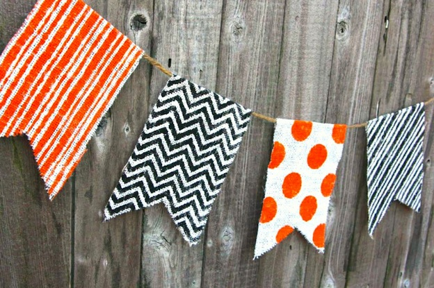 DIY Halloween Craft Ideas: Burlap Banner from Happy Go Lucky | Hello Little Home