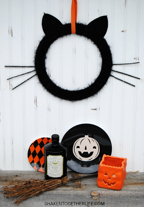 DIY Halloween Craft Ideas: Black Cat Wreath from Shaken Together Life | Hello Little Home