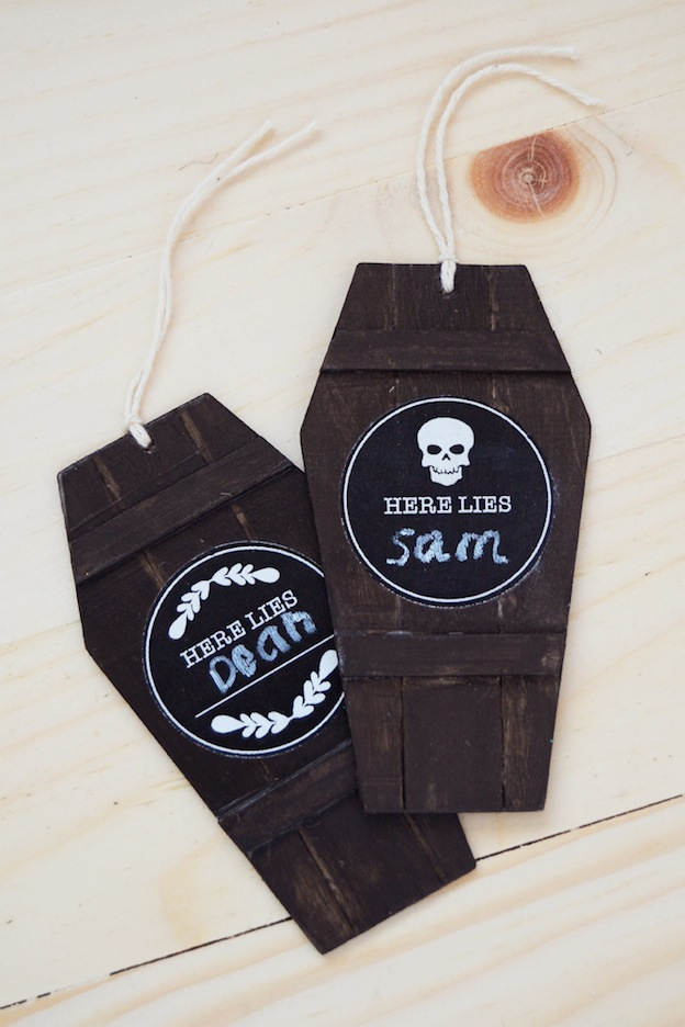 DIY Halloween Craft Ideas: Coffin Gift Tags from Mod Podge Rocks | Hello Little Home