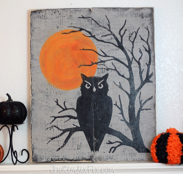 DIY Halloween Craft Ideas: Distressed Sign from The Kim Six Fix | Hello Little Home