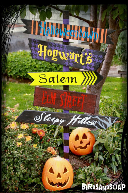 DIY Halloween Craft Ideas: Yard Sign from Birds and Soap, Soap and Birds | Hello Little Home