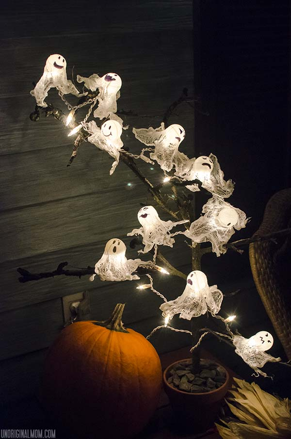 DIY Halloween Craft Ideas: Ping Pong Ball Ghost Lights from Unoriginal Mom | Hello Little Home