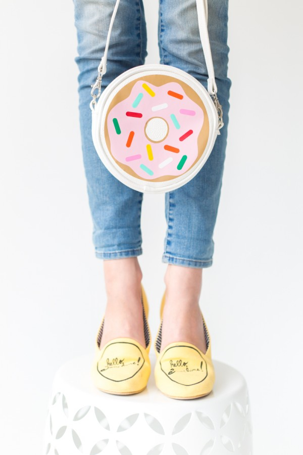 Donut Purse from Studio DIY, featured on The Ultimate DIY Christmas Gift Guide: 50+ Gift Ideas for Everyone on Your List! | Hello Little Home
