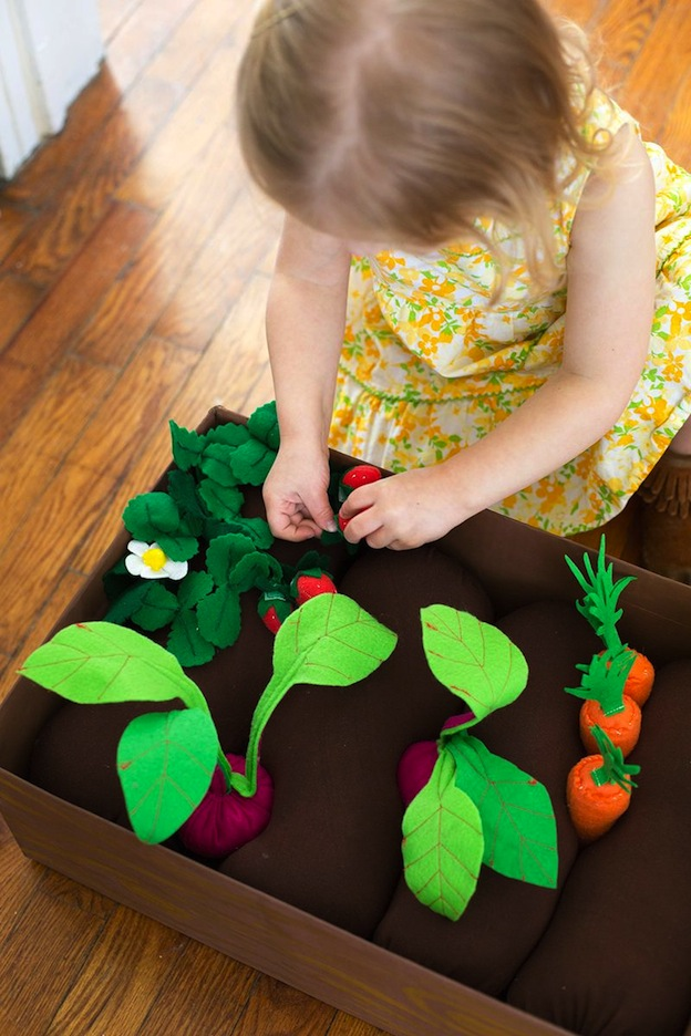 Felt Garden Box from A Beautiful Mess, featured on The Ultimate DIY Christmas Gift Guide: 50+ Gift Ideas for Everyone on Your List! | Hello Little Home