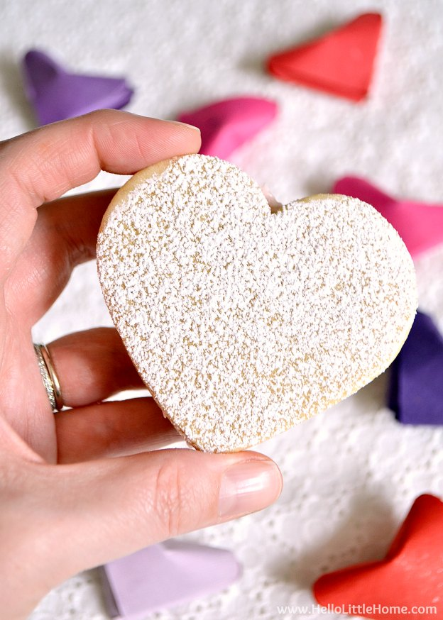 Heart Sandwich Cookies with White Chocolate Cream Cheese ...