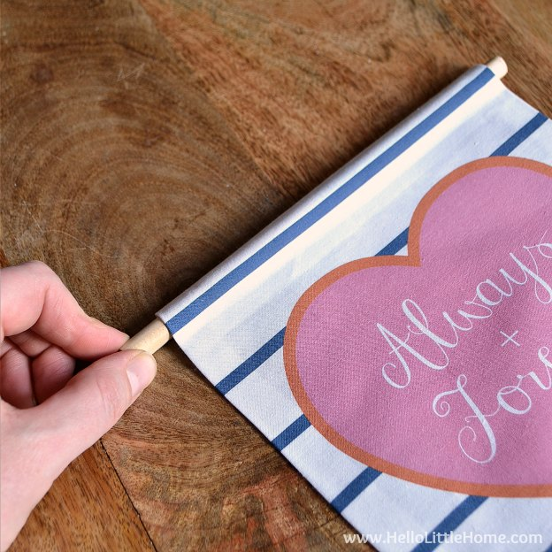 Easy step-by-step tutorial for making a No Sew Valentine's Day Banner! | Hello Little Home
