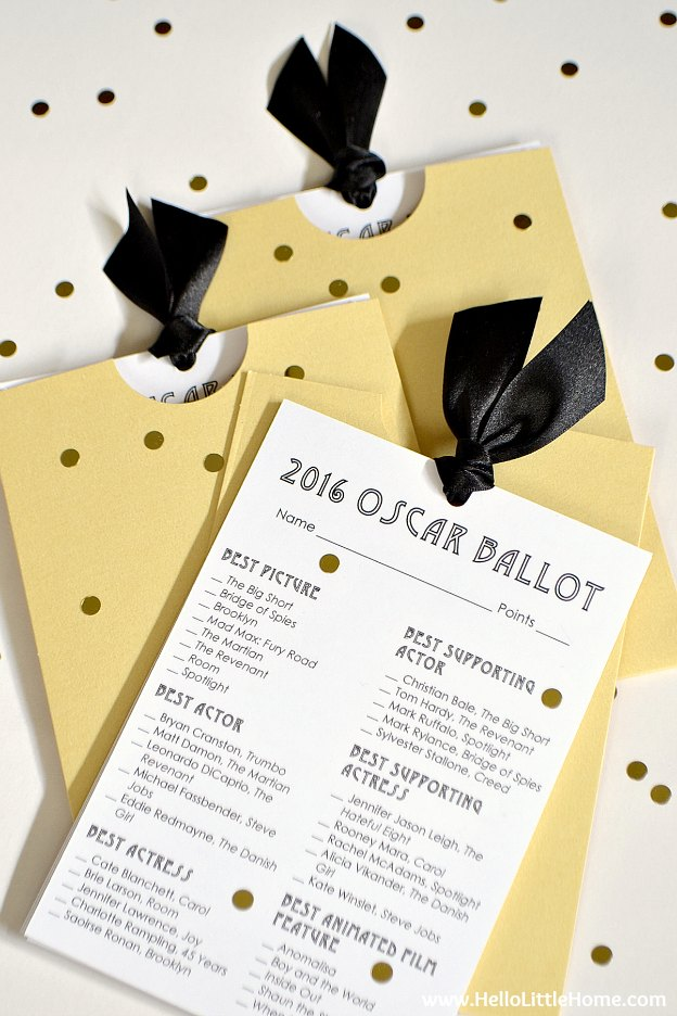 This Free Printable 2016 Oscar Ballot is the perfect addition to your Academy Awards viewing party! | Hello Little Home