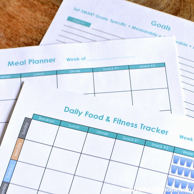 Free Printable Food and Fitness Tracker ... get a free and fun to use daily food and fitness tracker, meal planner, and goals worksheet! Perfect for keeping track of your food and fitness goals! | Hello Little Home