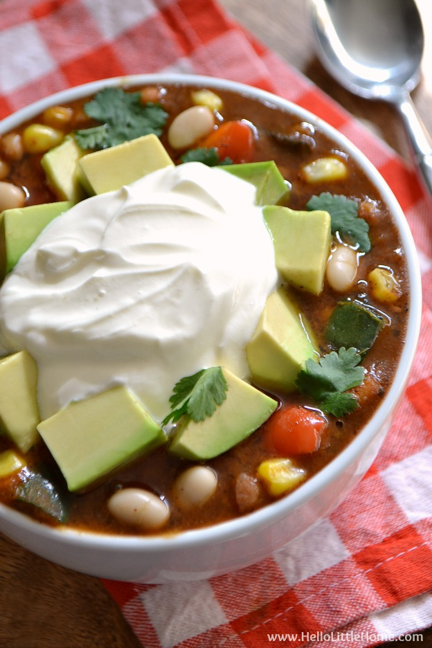 Three Pepper Vegetarian White Bean Chili ... one of 100 Vegetarian Game Day Recipes! Get ready for the big game with over 100 vegetarian and vegan appetizers, soups, chilis, main dishes, sandwiches, breakfast, desserts, and more that will make your next football watching party unforgettable! | Hello Little Home