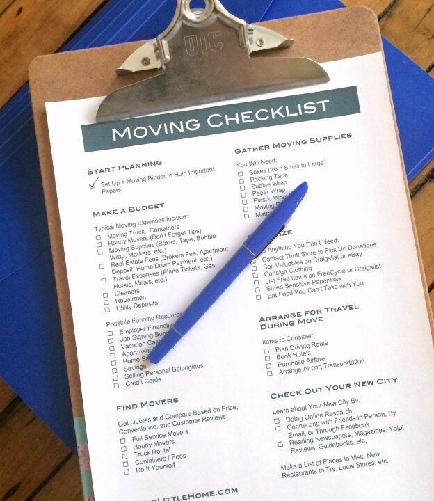 Get organized for your move with this Free Printable Moving Checklist, plus get tons of tips for How to Plan a Big Move! | Hello Little Home