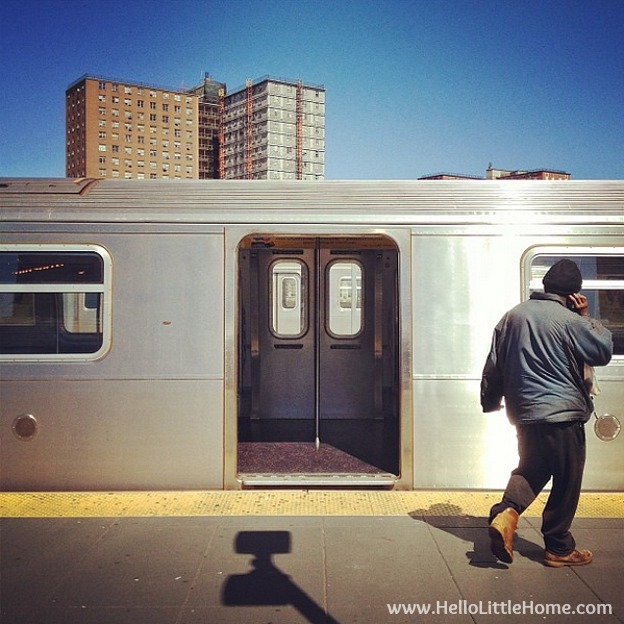 So, you want to visit or move to New York? Check out all my tips and tidbits garnered from my years living in NYC! Taking the subway. | Hello Little Home