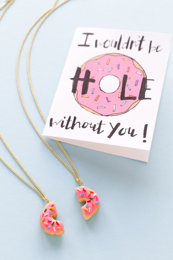 20 Adorable DIY Donut Crafts: DIY Donut Friendship Necklaces from Studio DIY | Hello Little Home