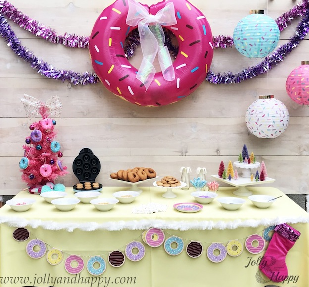 10 Adorable DIY Donut Crafts, like this Donut Party from Jolly & Happy ... these donut projects are so cute, you won't know which one to make first! | Hello Little Home