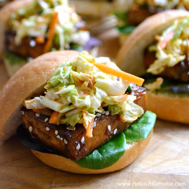 You are going to love these Korean BBQ Tofu Sliders with Kimchi Slaw! Get this easy recipe + over 60 more vegetarian summer recipes that are perfect for any occassion! | Hello Little Home