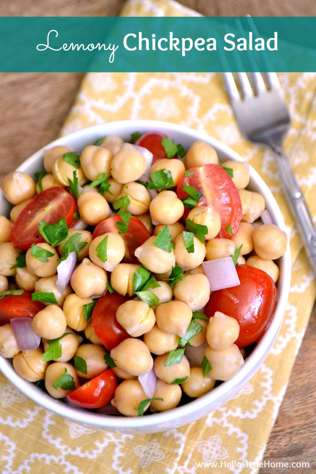 Lemony Chickpea Salad ... quick and easy to make, plus so delicious! It makes the perfect vegetarian side dish or light meal! | Hello Little Home