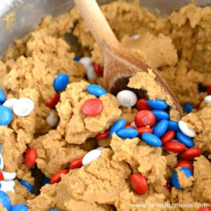Easy step-by-step Peanut Butter Chocolate Ice Cream Sandwiches recipes! This red, white, and blue dessert is sure to be a hit at all of your summer patriotic occasions, like the 4th of July!   Hello Little Home