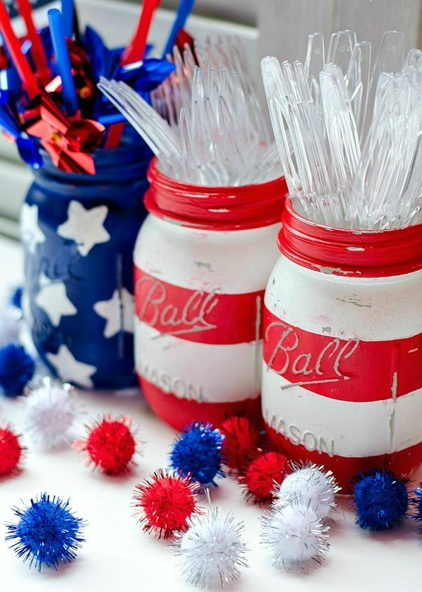 Over 30 Patriotic Recipes, Crafts, and Home Decor Ideas, including these 4th of July Mason Jars from Party Fetti! These fun and easy red, white, and blue ideas are perfect for celebrating every patriotic summer occassion ... 4th of July, Memorial Day, and more!   Hello Little Home
