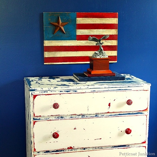Over 30 Patriotic Recipes, Crafts, and Home Decor Ideas, including this Rustic American Flag Sign from Petticoat Junktion! These fun and easy red, white, and blue ideas are perfect for celebrating every patriotic summer occassion ... 4th of July, Memorial Day, and more!   Hello Little Home
