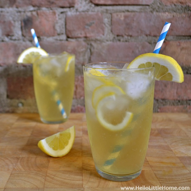 You are going to love this Lemonade Shandy! Get this easy recipe + over 60 more vegetarian summer recipes that are perfect for any occassion! | Hello Little Home