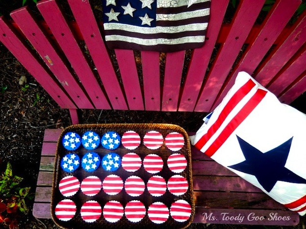 Over 30 Patriotic Recipes, Crafts, and Home Decor Ideas, including these Stars and Stripes Cupcakes from Ms. Toody Goo Shoes! These fun and easy red, white, and blue ideas are perfect for celebrating every patriotic summer occassion ... 4th of July, Memorial Day, and more! | Hello Little Home
