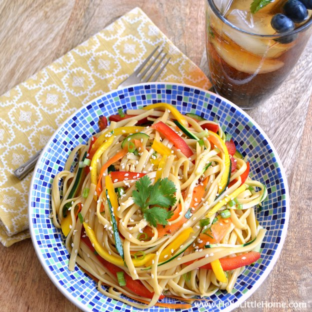 Cold Asian Noodle Salad + Blueberry Mint Sweet Tea