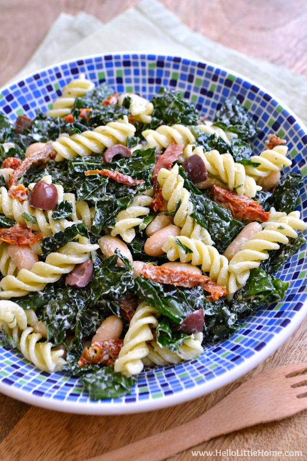 Kale Pasta Salad with Creamy Lemon Basil Dressing recipe ... a super delicious + healthy pasta salad that is seriously crave worthy! | Hello Little Home