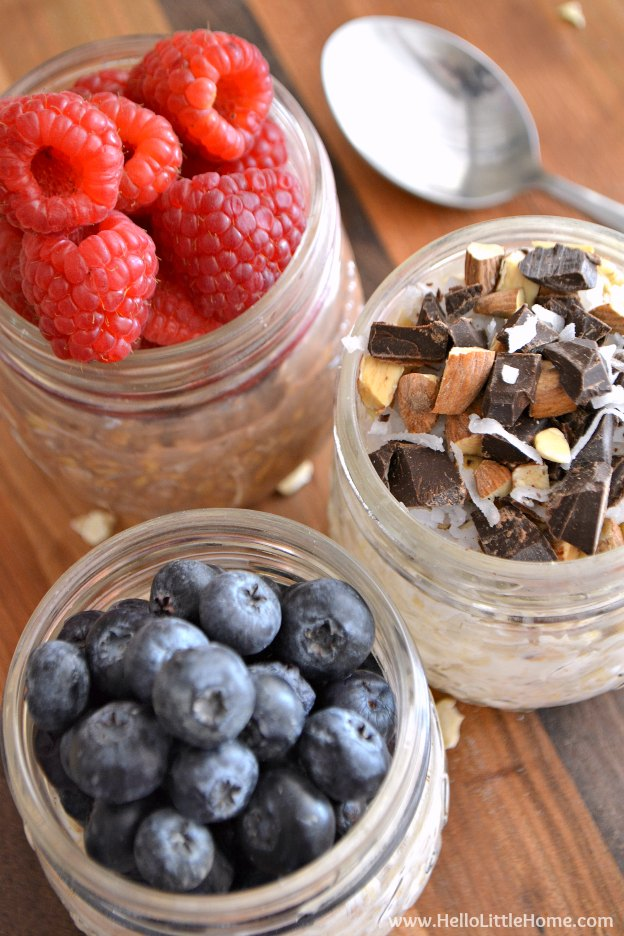 Easy Overnight Oats in a Jar ... 3 Ways! Learn how to make this delicious, nutritious, and timesaving breakfast recipe to free up your mornings! | Hello Little Home