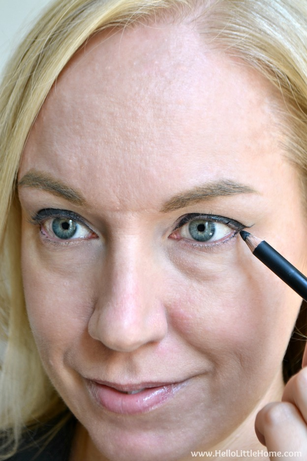 Master the Cat Eye with one easy trick! Finally conquer the cat eye with this easy eyeliner makeup tutorial! | Hello Little Home