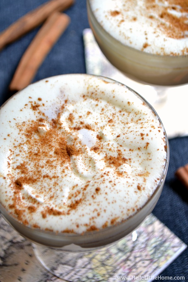 Spicy Pumpkin Steamer ... treat yourself to this irresistable fall drink recipe! It's filled with delicious pumpkin spice flavor and takes minutes to make! | Hello Little Home