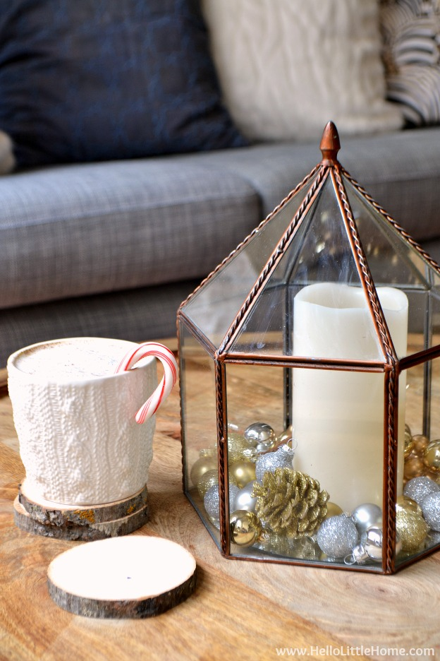 Cozy holiday decor ideas! Get inspired to decorate this holiday season with casual, yet glam touches that will make your home shine this Christmas! | Hello Little Home