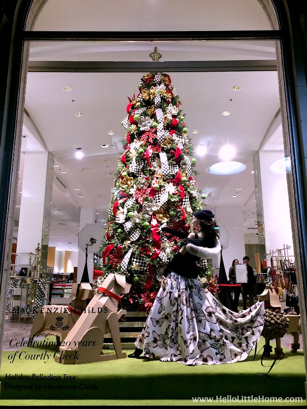 Dallas Holiday Tour 2016 ... come tour the Christmas lights and sights in Downtown Dallas with me! Neiman Marcus | Hello Little Home