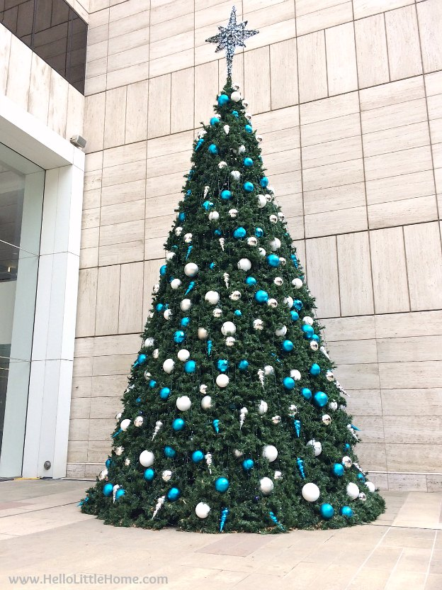 Dallas Holiday Tour 2016 ... come tour the Christmas lights and sights in Downtown Dallas with me! AT&T | Hello Little Home