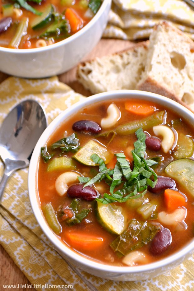 Hearty Minestrone Soup ... one of 100 Vegetarian Game Day Recipes! Get ready for the big game with over 100 vegetarian and vegan appetizers, soups, chilis, main dishes, sandwiches, breakfast, desserts, and more that will make your next football watching party unforgettable! | Hello Little Home