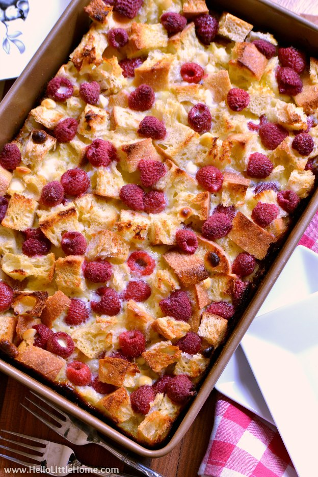 Raspberry White Chocolate Bread Pudding ... yum! Learn how to make this easy bread pudding recipe that's filled with fresh raspberries and sweet white chocolate chips ... it's perfect for Valentine's Day or anytime you're craving a sweet treat!   Hello Little Home