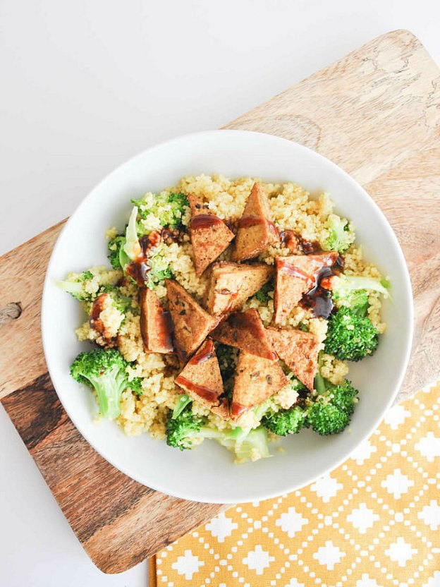 BBQ Couscous Bowls from Elephantastic Vegan ... one of 100 Vegetarian Game Day Recipes! Get ready for the big game with over 100 vegetarian and vegan appetizers, soups, chilis, main dishes, sandwiches, breakfast, desserts, and more that will make your next football watching party unforgettable! | Hello Little Home