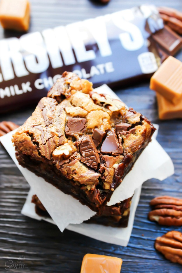 Turtle Cheesecake Fudge Brownies from A Dash of Sanity ... one of 100 Vegetarian Game Day Recipes! Get ready for the big game with over 100 vegetarian and vegan appetizers, soups, chilis, main dishes, sandwiches, breakfast, desserts, and more that will make your next football watching party unforgettable! | Hello Little Home