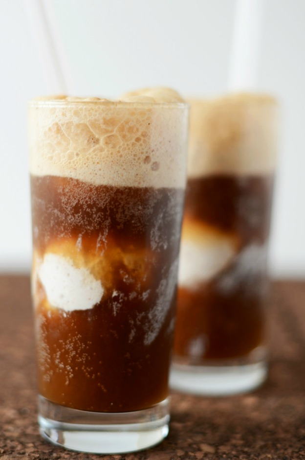 Vodka Root Beer Floats from Minimalist Baker ... one of 100 Vegetarian Game Day Recipes! Get ready for the big game with over 100 vegetarian and vegan appetizers, soups, chilis, main dishes, sandwiches, breakfast, desserts, and more that will make your next football watching party unforgettable! | Hello Little Home