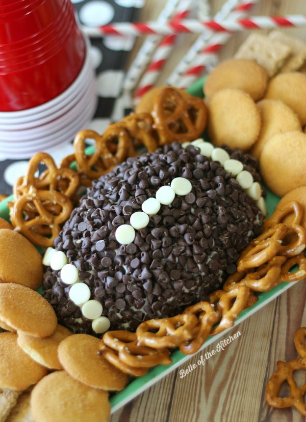 Chocolate Chip Cheesecake Ball from Kenarry ... one of 100 Vegetarian Game Day Recipes! Get ready for the big game with over 100 vegetarian and vegan appetizers, soups, chilis, main dishes, sandwiches, breakfast, desserts, and more that will make your next football watching party unforgettable! | Hello Little Home