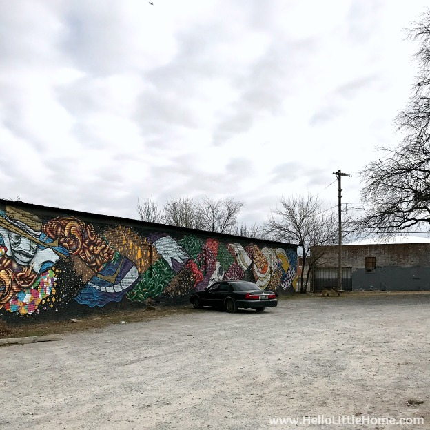48 Hours in Oklahoma City travel guide! Take a tour of this fun, walkable city ... you won't believe all the things to do in Oklahoma City! Automobile Alley Mural | Hello Little Home