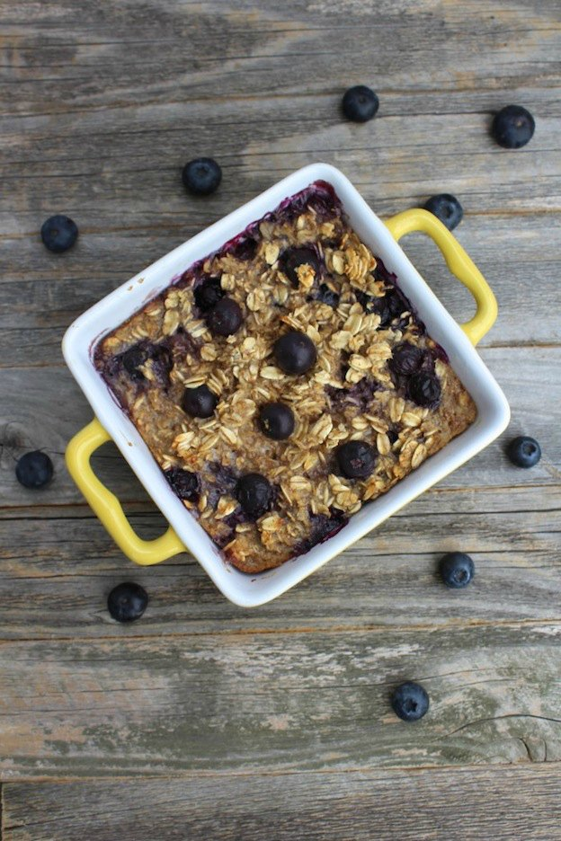 150+ Vegetarian Easter Recipes that are perfect for your holiday dinner or brunch, including this Blueberry Oatmeal Breakfast Bake from The Clean Eating Couple! Find tons of vegetarian and vegan recipe ideas - from healthy appetizers to decadent desserts - that your whole family will love! Hello Little Home