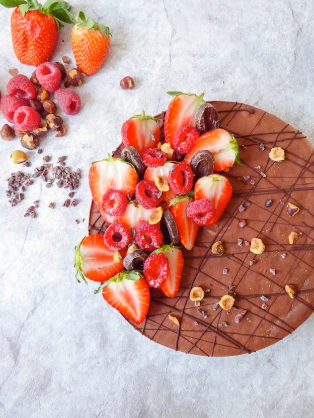 150+ Vegetarian Easter Recipes that are perfect for your holiday dinner or brunch, including this Raw Vegan Chocolate Cake from My Organic Diary! Find tons of vegetarian and vegan recipe ideas - from healthy appetizers to decadent desserts - that your whole family will love! Hello Little Home