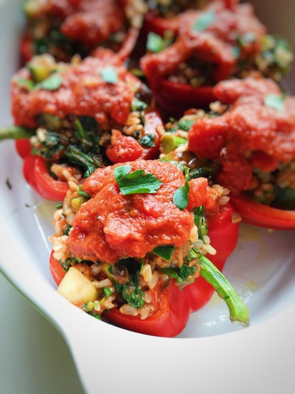 150+ Vegetarian Easter Recipes that are perfect for your holiday dinner or brunch, including these Italian Stuffed Peppers from Parsnips & Pastries! Find tons of vegetarian and vegan recipe ideas - from healthy appetizers to decadent desserts - that your whole family will love! Hello Little Home