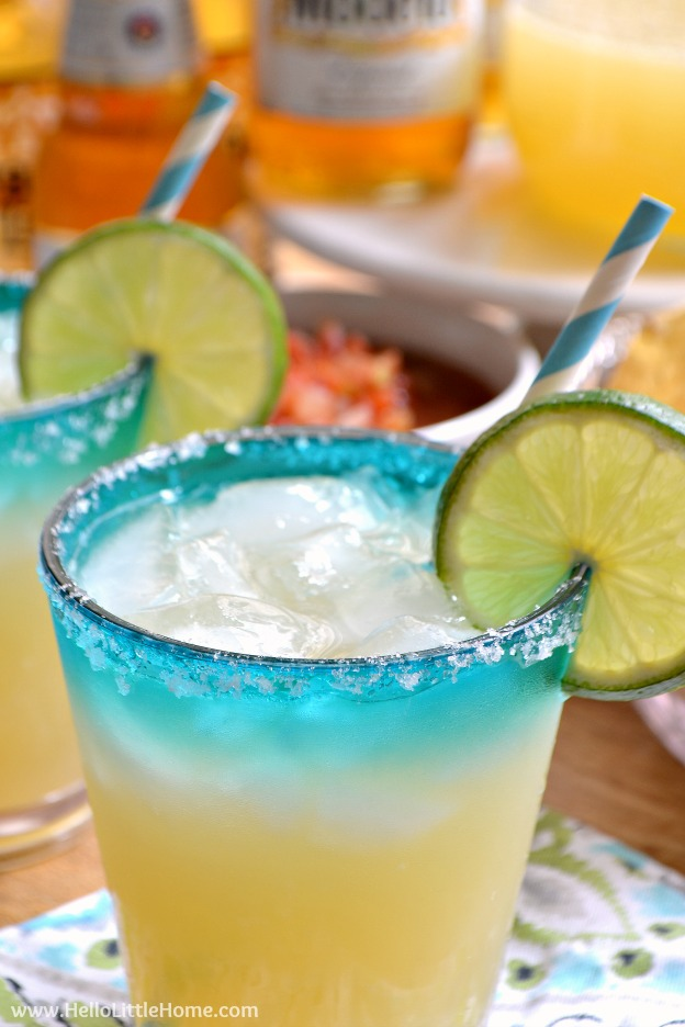 Closeup of the finished drink garnished with a lime slice.
